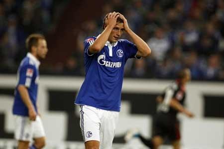 Dortmund đòi lại ngôi đầu bảng, Schalke lại thua đau - 4