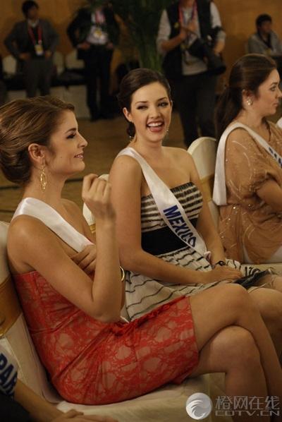 Người đẹp Hoa hậu Quốc tế được tặng búp bê - 8