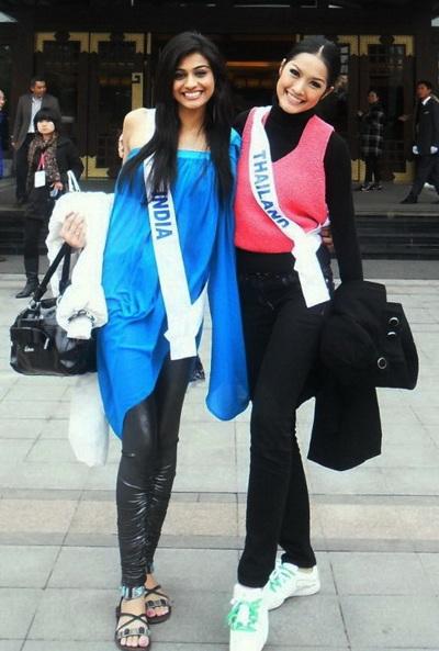 Người đẹp Hoa hậu Quốc tế được tặng búp bê - 11