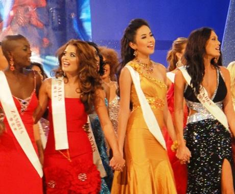 Kiều Khanh trong đêm chung kết Hoa hậu thế giới - 2