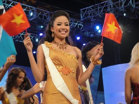 Kiều Khanh trong đêm chung kết Hoa hậu thế giới - 4