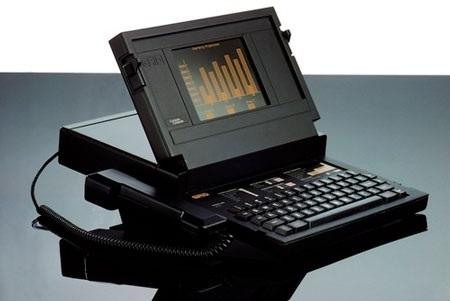 """""""Cha đẻ"""" laptop nhận giải thưởng thiết kế hàng đầu của Anh - 1"""