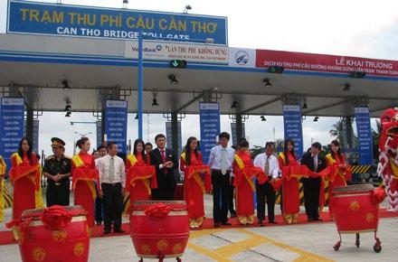 Cầu Cần Thơ khai trương dịch vụ thu phí không dừng đầu tiên tại Việt Nam - 2