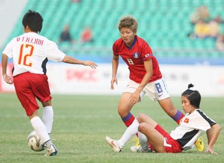 Thi đấu xuất sắc, nữ Việt Nam vẫn thua sát nút Trung Quốc - 1