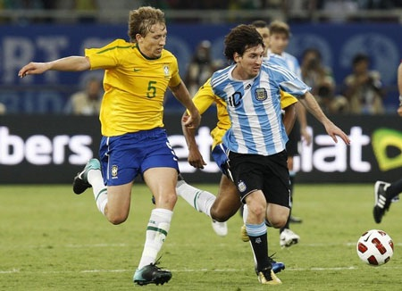 Tuyệt tác của Messi giúp Argentina đả bại Brazil - 3