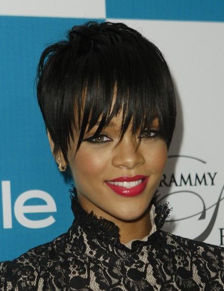 Choáng với những kiểu tóc liên tục thay đổi của Rihanna - 9
