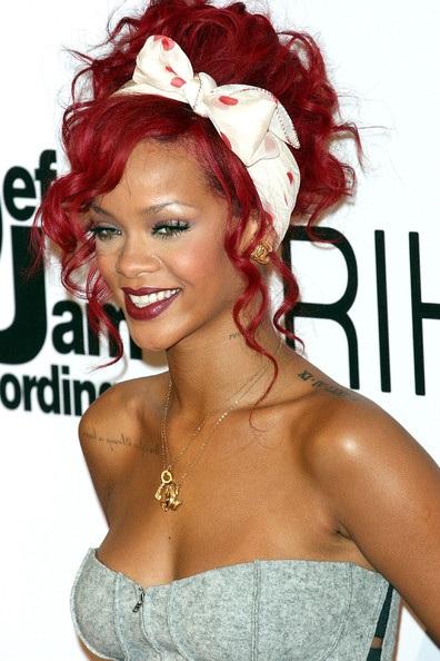 Choáng với những kiểu tóc liên tục thay đổi của Rihanna - 20