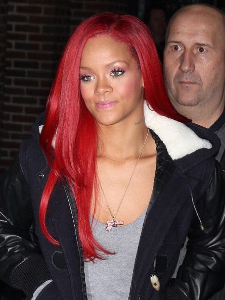 Choáng với những kiểu tóc liên tục thay đổi của Rihanna - 23