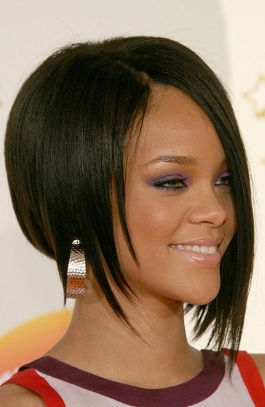 Choáng với những kiểu tóc liên tục thay đổi của Rihanna - 5