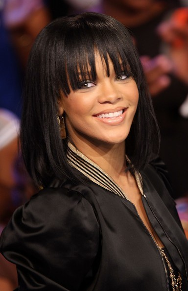 Choáng với những kiểu tóc liên tục thay đổi của Rihanna - 6