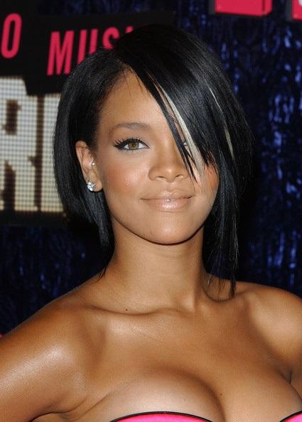 Choáng với những kiểu tóc liên tục thay đổi của Rihanna - 8