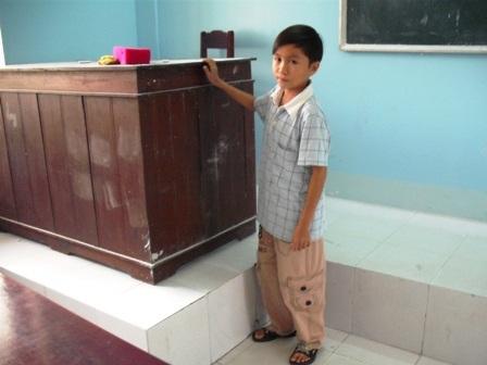 Khát vọng học tập của chàng sinh viên cao 1m, nặng 18 kg - 2