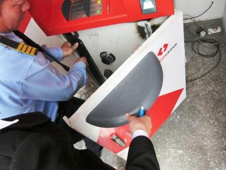 Công an vào cuộc phòng chống tội phạm phá máy ATM - 1