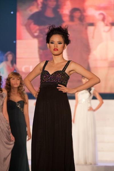 Vietnam's Next Top Model: Tỏa sáng trên sàn catwalk - 4