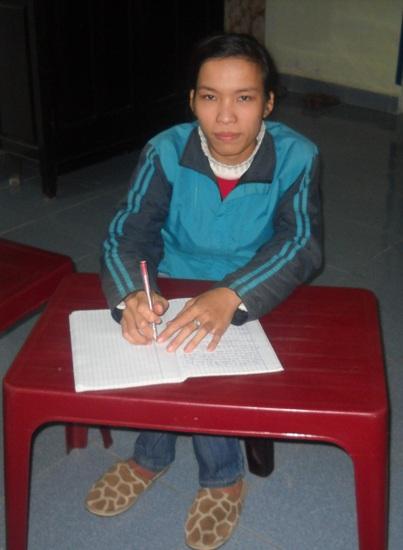 Khâm phục nghị lực của cô giáo khuyết tật - 1