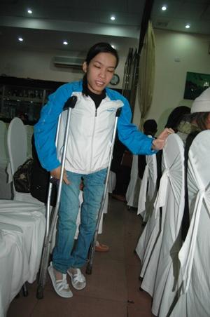 Khâm phục nghị lực của cô giáo khuyết tật - 2