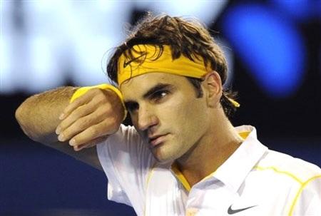 """Federer """"thoát hiểm"""", Clijsters tiếp tục dương uy - 1"""
