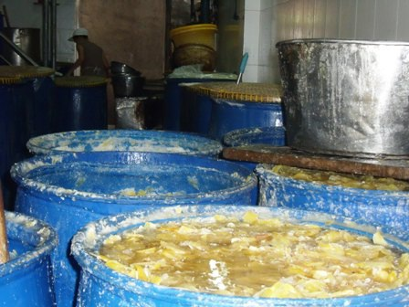 Phát hiện 3 mẫu mứt tết chứa chất tẩy trắng công nghiệp - 1