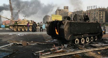 Tổng thống Ai Cập lập tân nội các, áp lực quốc tế tăng cao - 2