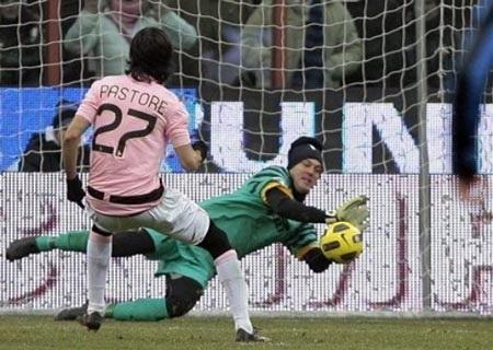 Tân binh Pazzini rực sáng giúp Inter đánh bại Palermo - 2