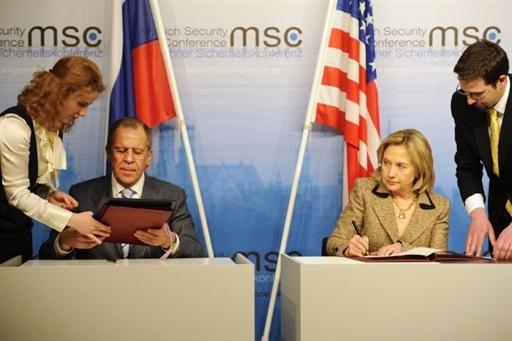 Hiệp ước hạt nhân Nga - Mỹ chính thức có hiệu lực - 1