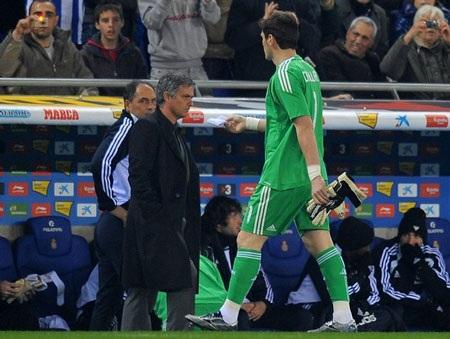 Casillas bị thẻ đỏ, Real Madrid vẫn hạ Espanyol - 1