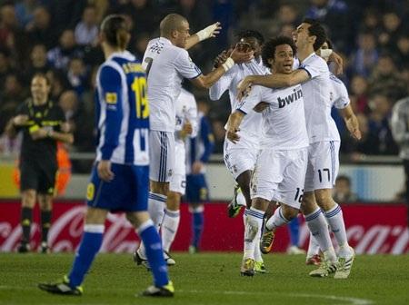 Casillas bị thẻ đỏ, Real Madrid vẫn hạ Espanyol - 2