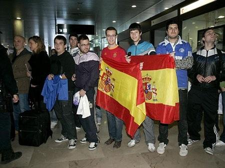 Raul được chào đón trong ngày trở lại Tây Ban Nha - 5