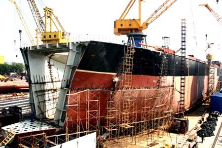 Sản xuất công nghiệp Giao thông Vận tải giảm  - 1
