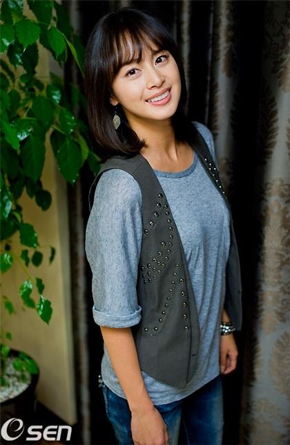 """Kim Tae Hee tự tin khoe mặt """"mộc"""" và nếp nhăn - 6"""