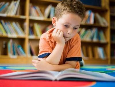 Chăm đọc sách, trẻ ít bị trầm cảm - 1