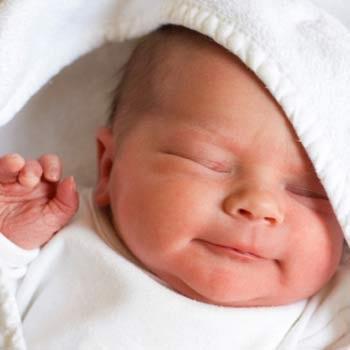 Những biểu hiện không đáng lo lắng ở trẻ sơ sinh - 1