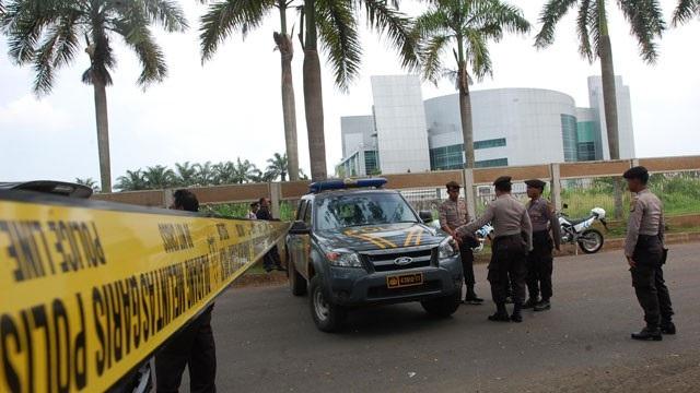 Indonesia phá âm mưu khủng bố, báo động an ninh cao nhất  - 1