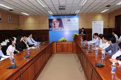 Quỹ Pfizer Thái Lan trao học bổng cho sinh viên y khoa - 1