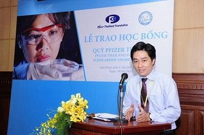 Quỹ Pfizer Thái Lan trao học bổng cho sinh viên y khoa - 2