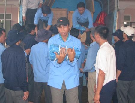 Lào bàn giao 71 bộ hài cốt liệt sĩ cho Việt Nam - 2