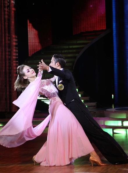 Thu Minh, Thanh Thúy cao điểm nhất đêm thi đầu Bước nhảy Hoàn vũ - 19