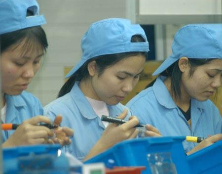 Tỷ lệ việc làm của phụ nữ vẫn ở mức thấp - 1