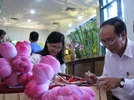Đà Nẵng: Hơn 97% ý kiến chọn sen hồng là quốc hoa - 1