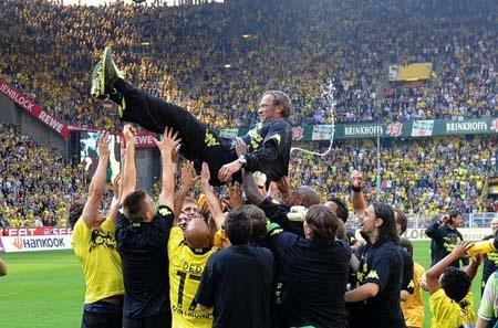 Niềm kiêu hãnh mang tên Borussia Dortmund! - 1