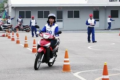 Hướng dẫn viên lái xe an toàn xuất sắc năm 2011 - 1