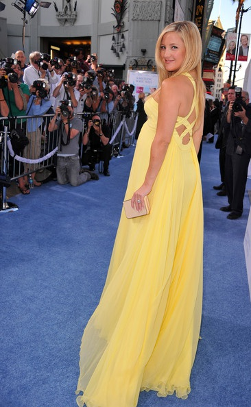 Kate Hudson rực rỡ váy vàng - 16