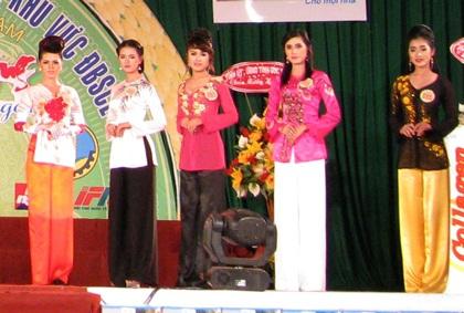 """Nguyễn Minh Như Anh đăng quang """"Người đẹp Sóc Trăng 2011"""" - 2"""