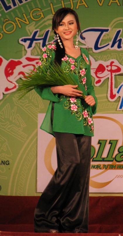 """Nguyễn Minh Như Anh đăng quang """"Người đẹp Sóc Trăng 2011"""" - 4"""