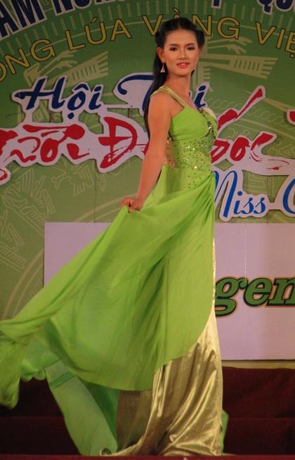 """Nguyễn Minh Như Anh đăng quang """"Người đẹp Sóc Trăng 2011"""" - 7"""