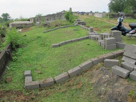 Cả làng đi tranh... đất nghĩa địa  - 3