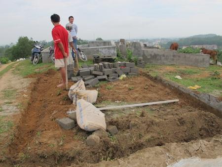 Cả làng đi tranh... đất nghĩa địa  - 15