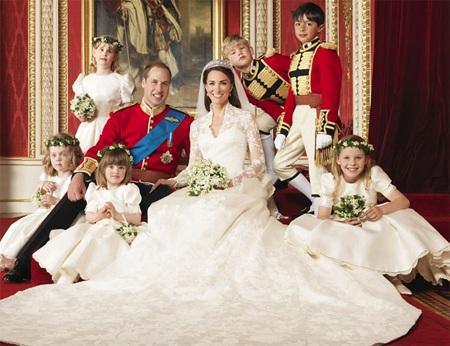 Những hình ảnh giống nhau tại lễ cưới hoàng tử William và bố mẹ - 10