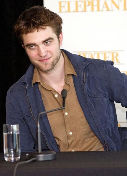"Robert Pattinson - Reese Witherspoon: ""Đọ dáng"" với voi - 12"