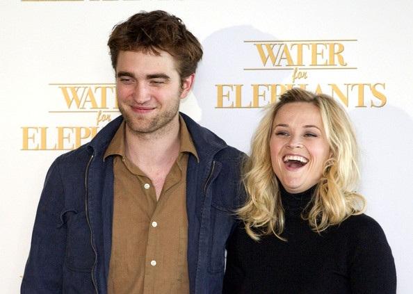 "Robert Pattinson - Reese Witherspoon: ""Đọ dáng"" với voi - 13"